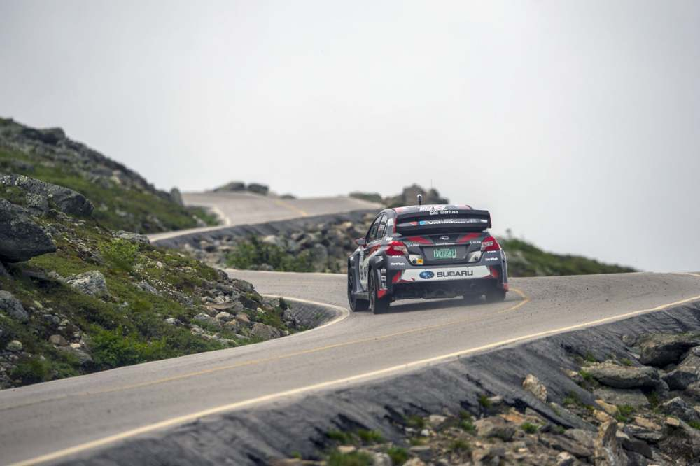 Travis_Pastrana_drives_to_a_new_record_time_at_the_Mt._Washington_Hillclimb.jpg